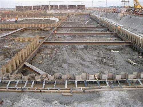钢板桩基坑支护
